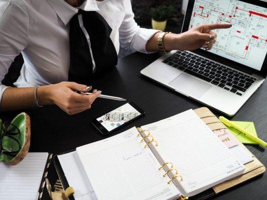 Agente immobiliare: è davvero indispensabile nella compravendita?