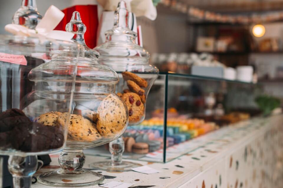 Cedolare secca sulla locazione di negozi: è applicabile anche alle proroghe?