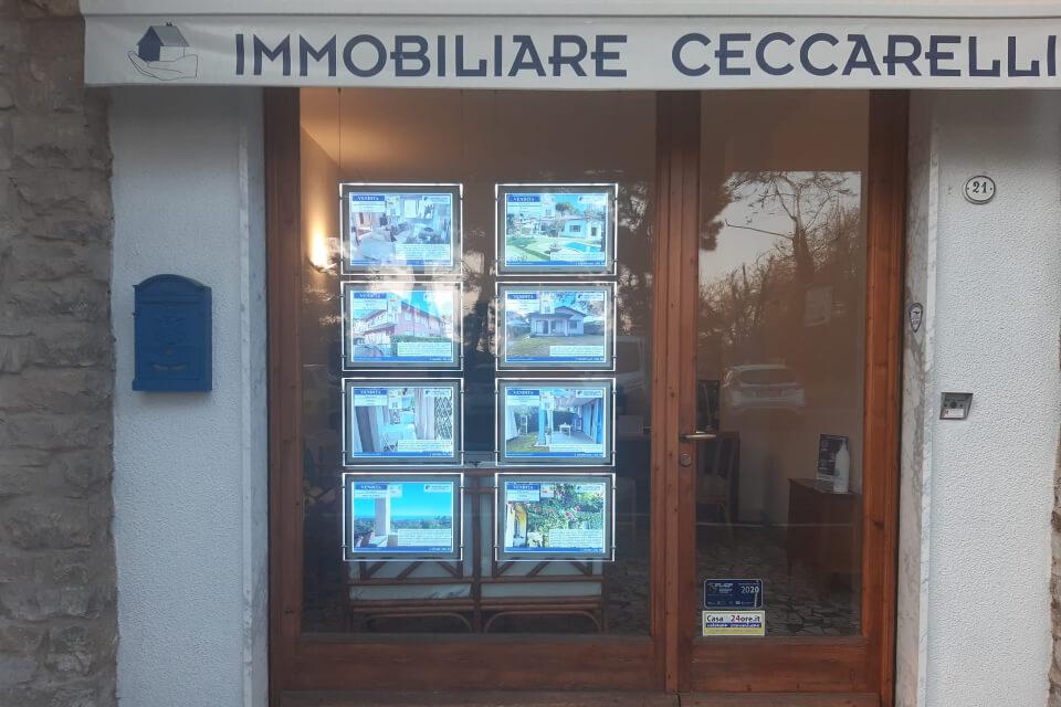 Riflettori puntati sui nostri annunci: la nuova vetrina luminosa dell'Agenzia Ceccarelli!