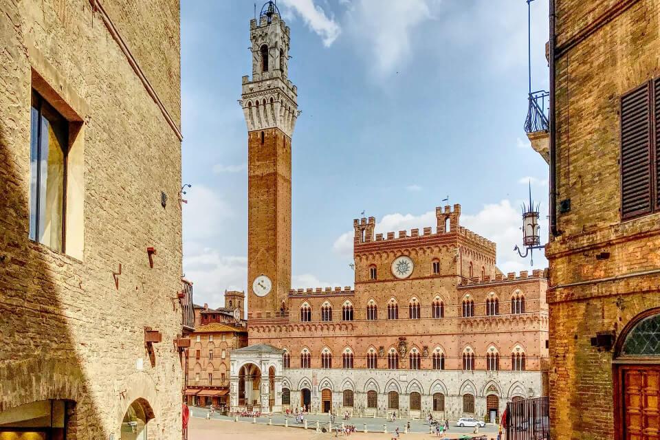 Università di Siena, il fiore all'occhiello della città... torna a sbocciare!