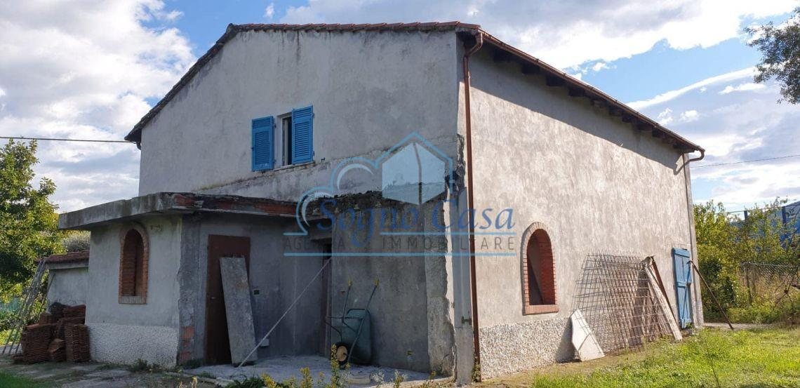 Casale in vendita a Marinella Di Sarzana, Sarzana (SP)