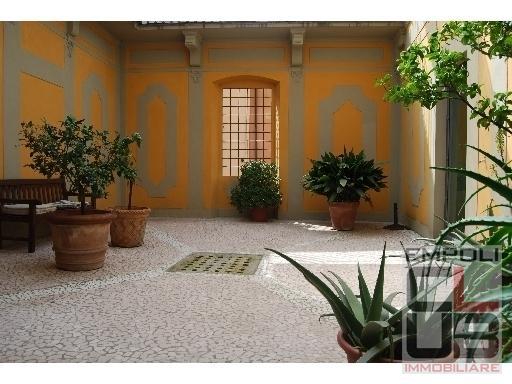 Villa in vendita a Castelfiorentino, 10 locali, prezzo € 600.000 | CambioCasa.it