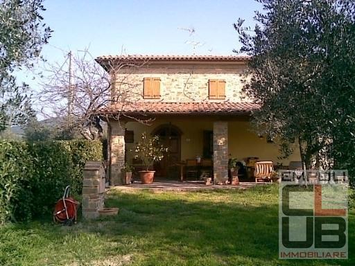 Villa in vendita a Vinci, 12 locali, prezzo € 1.400.000 | CambioCasa.it