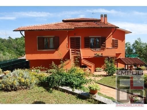 Villa in vendita a Vinci, 8 locali, prezzo € 620.000 | CambioCasa.it