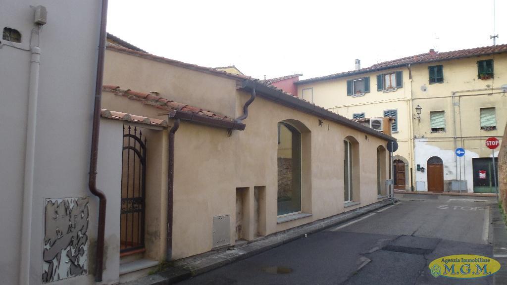 Mgmnet.it: Locale comm.le/Fondo in vendita a Bientina