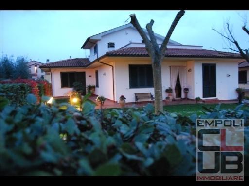 Villa in vendita a Cerreto Guidi, 8 locali, prezzo € 700.000   CambioCasa.it