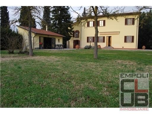 Villa in vendita a Empoli, 8 locali, prezzo € 810.000 | CambioCasa.it
