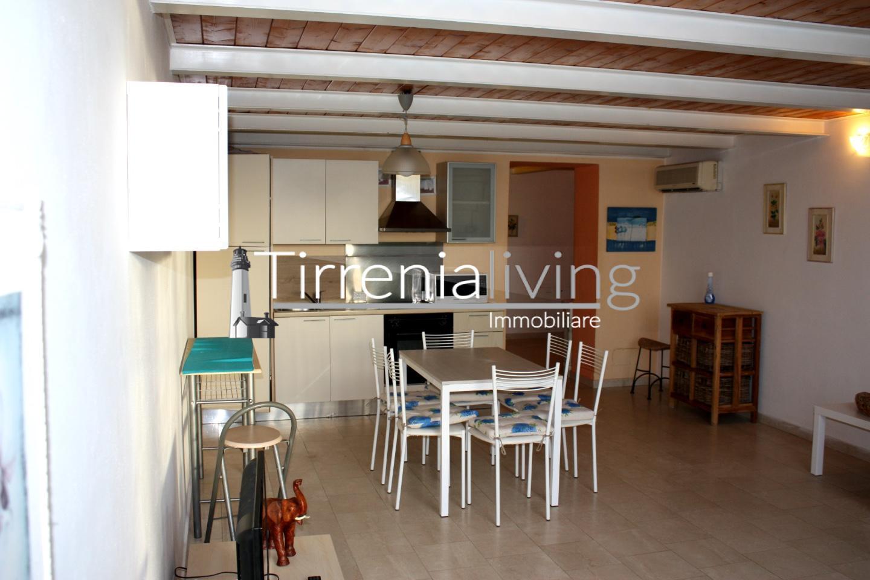 Appartamento in affitto, rif. A-144