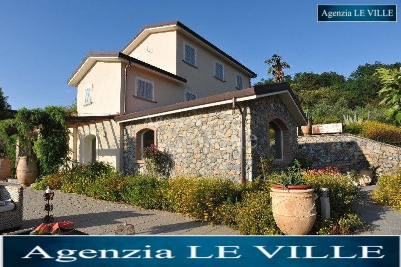 Villa singola in affitto a Vezzano Ligure (SP)