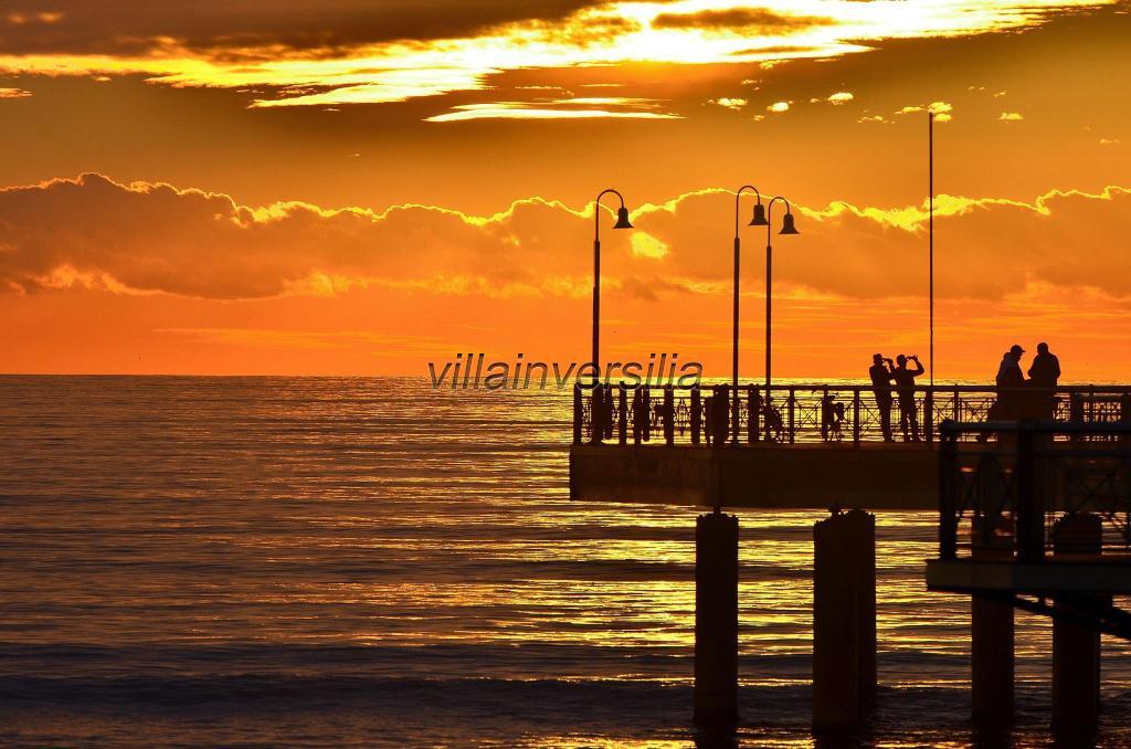 Foto 11/19 per rif. A1  camera Versilia