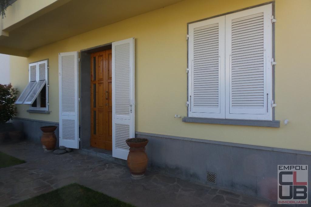 Villa in vendita a Empoli, 8 locali, prezzo € 750.000 | CambioCasa.it