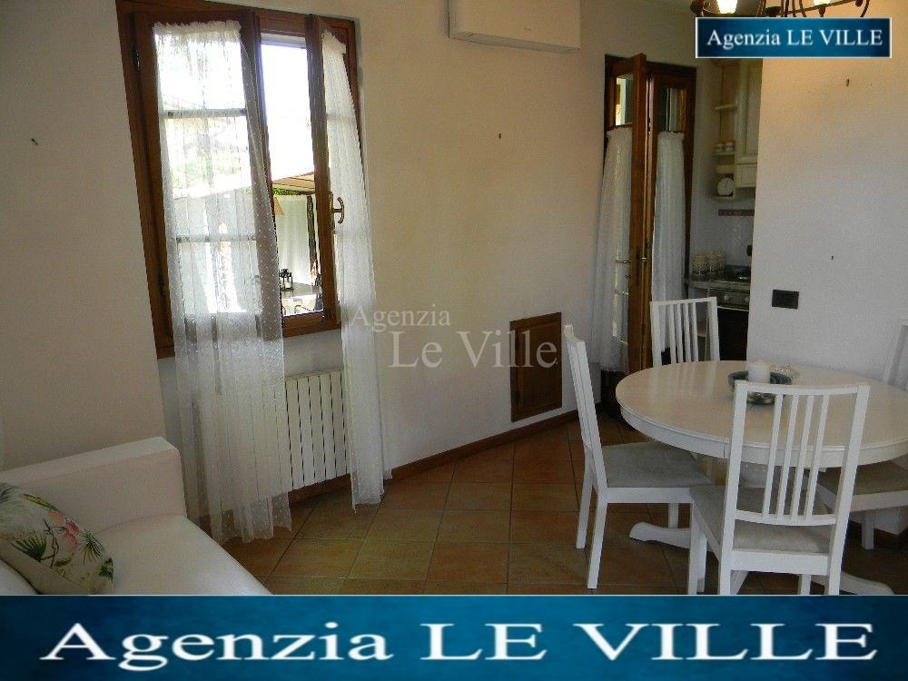 Semi-detached house for holiday rentals in Pietrasanta (LU)