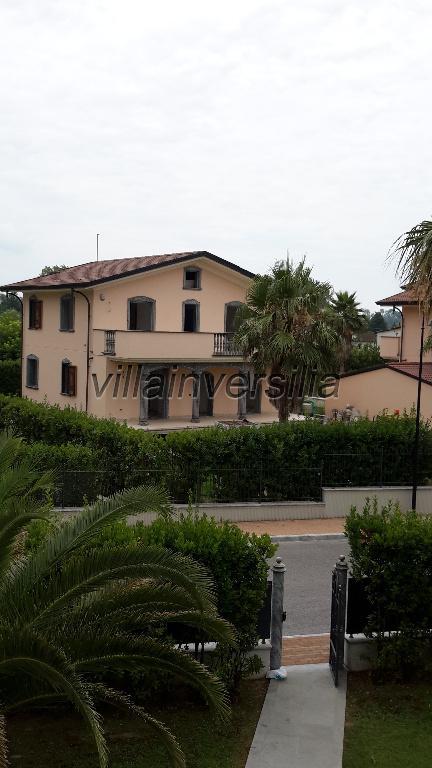 Foto 3/6 per rif. V7415 villa