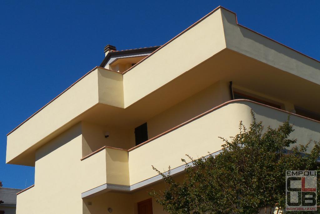 Attico / Mansarda in vendita a Empoli, 8 locali, prezzo € 520.000 | CambioCasa.it