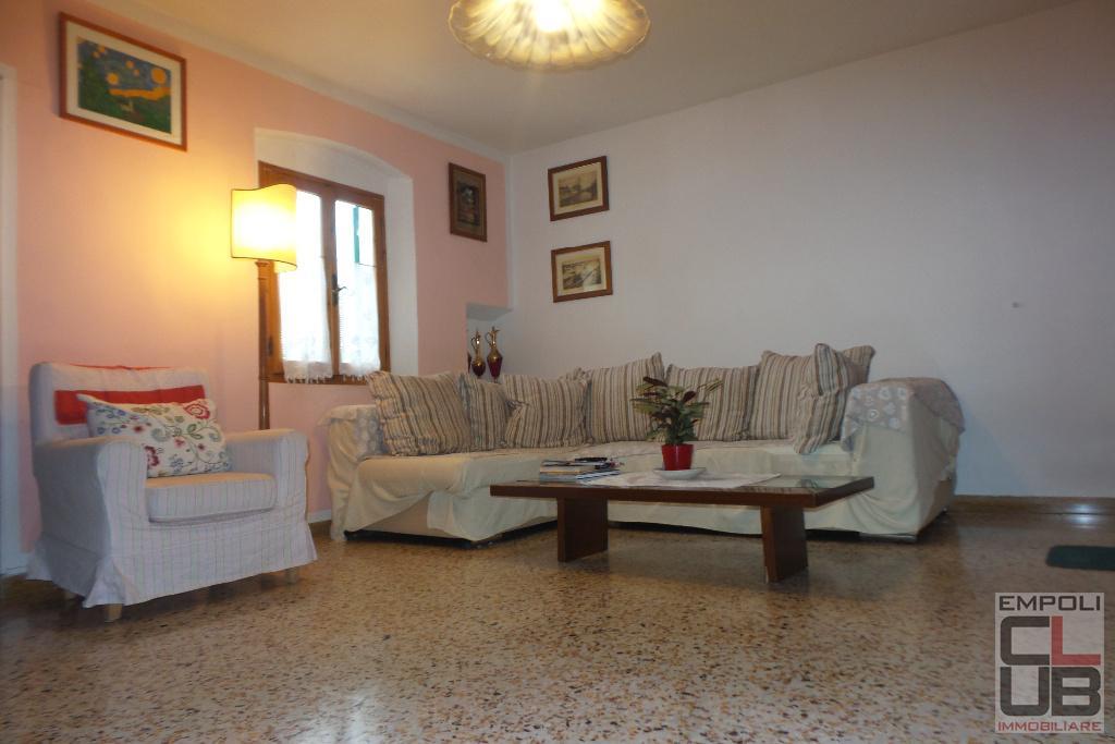 Appartamento in vendita a Empoli, 5 locali, prezzo € 150.000 | CambioCasa.it