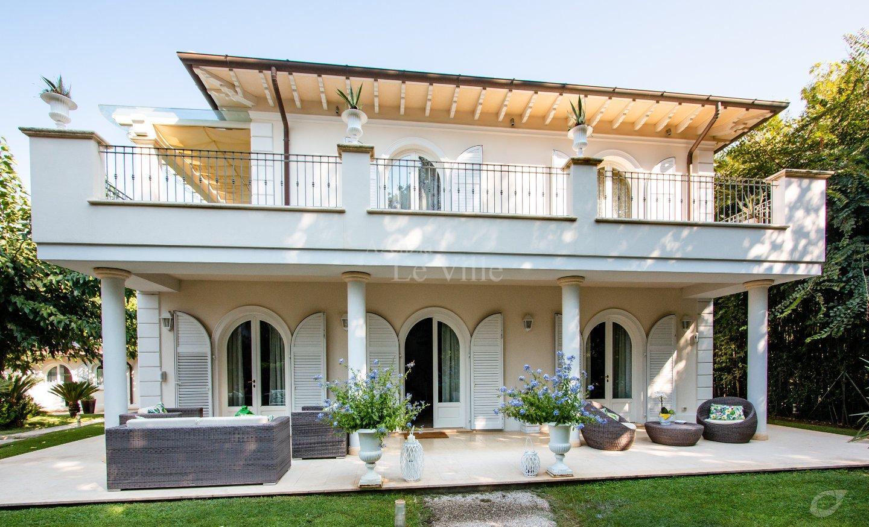 Villa singola in affitto a Pietrasanta (LU)