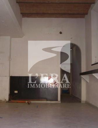 Locale comm.le/Fondo in vendita a Pontedera (PI)