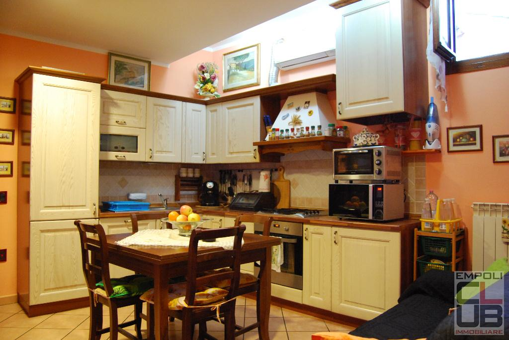 Appartamento in vendita a Vinci, 3 locali, prezzo € 94.000   CambioCasa.it