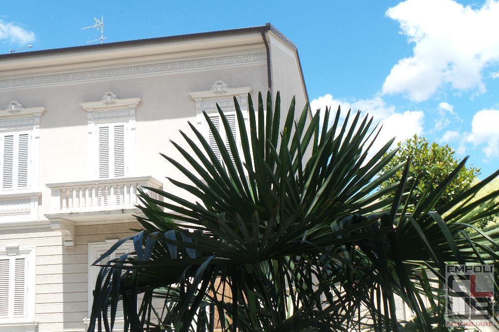 Villa in vendita a Empoli, 8 locali, prezzo € 980.000 | CambioCasa.it