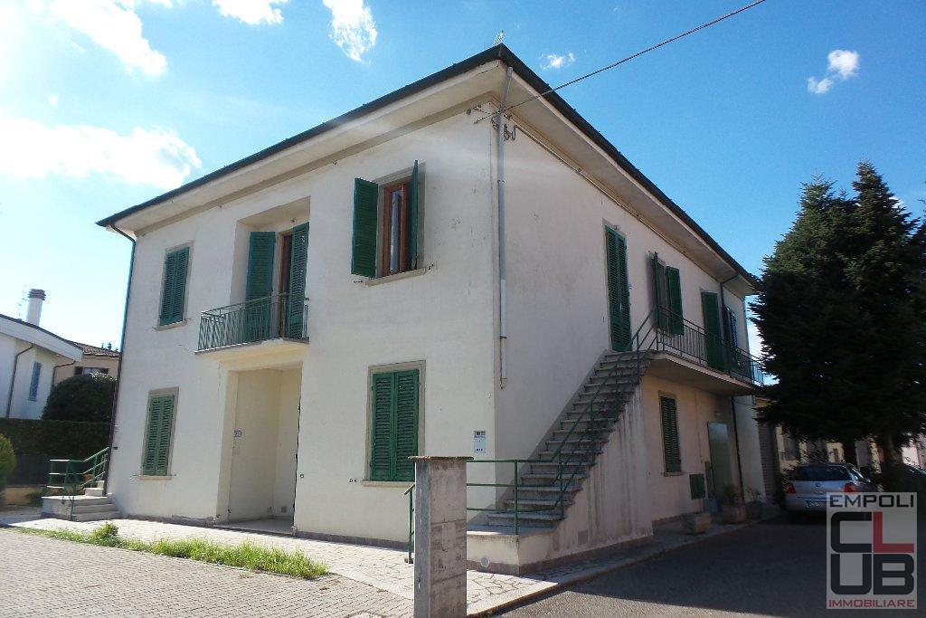 Villa in vendita a Fucecchio, 15 locali, prezzo € 430.000 | CambioCasa.it