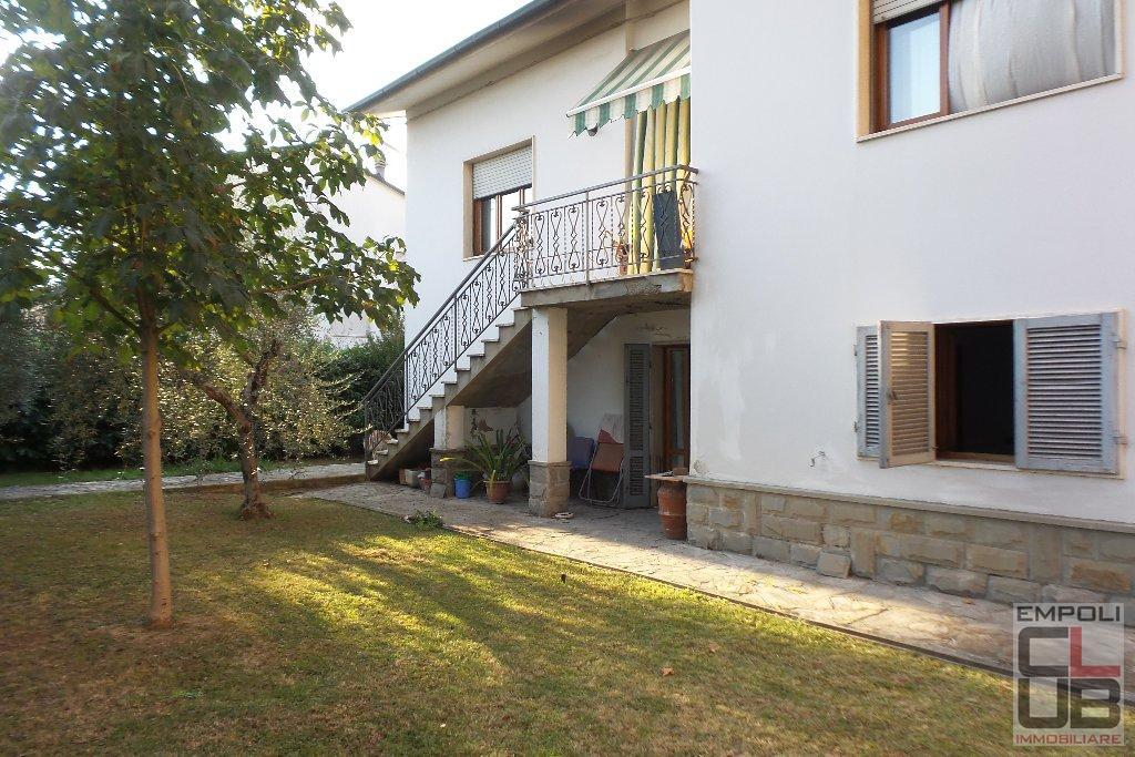 Villa in vendita a Cerreto Guidi, 9 locali, prezzo € 390.000   CambioCasa.it
