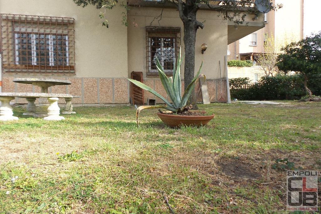 Villa Tri-Quadrifamiliare in Vendita a Empoli