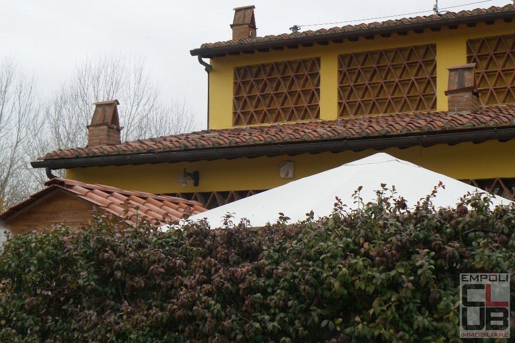 Rustico / Casale in vendita a Empoli, 5 locali, prezzo € 420.000 | CambioCasa.it