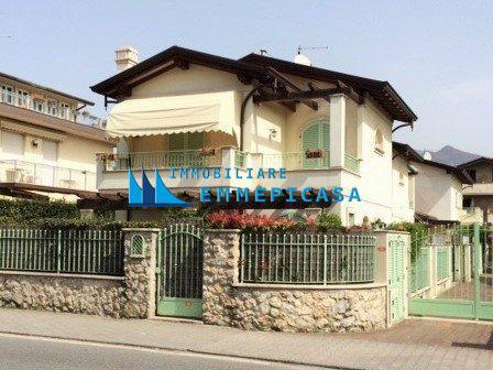 Villetta trifamiliare in affitto vacanze a Montignoso (MS)
