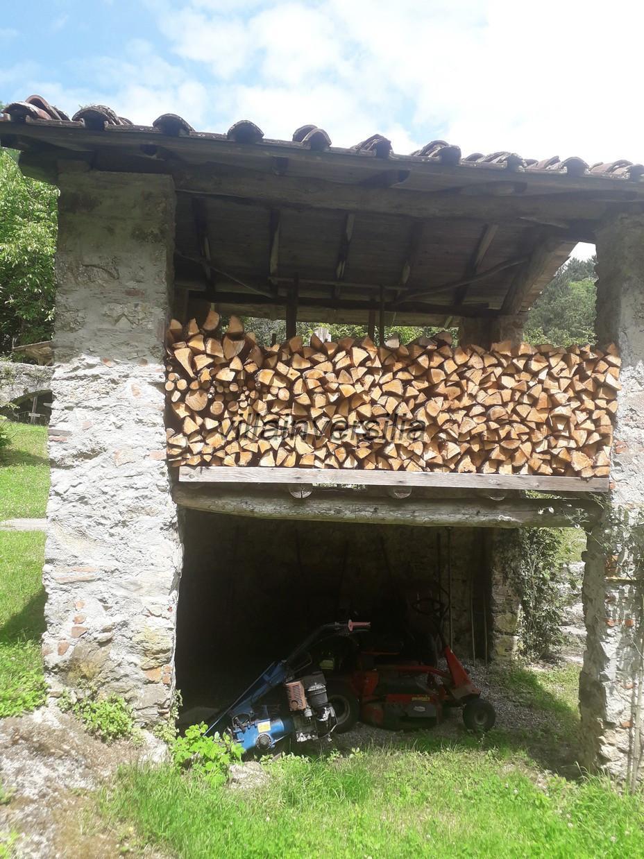 Foto 12/28 per rif. V 7409 borgo Toscano Lucca