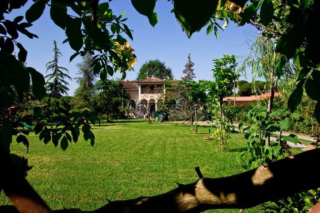Foto 11/24 per rif. V  villa casavacanze