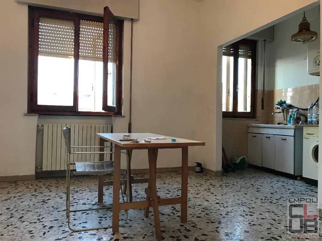 Appartamento in vendita a Empoli, 4 locali, prezzo € 150.000 | CambioCasa.it