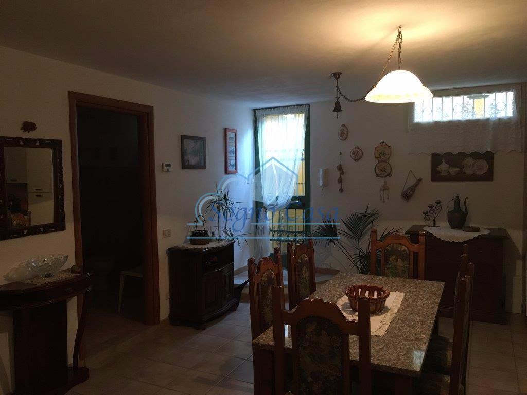 Casa semindipendente in vendita, rif. 106048