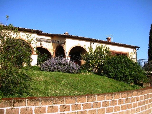 Foto 2/30 per rif. V 2317  villa Manciano