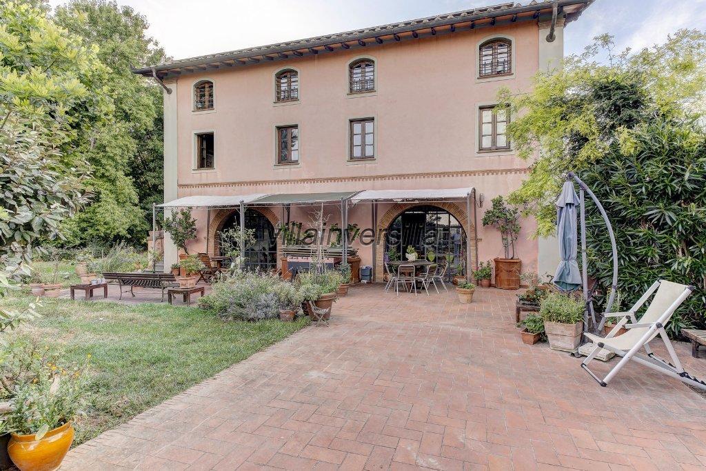 Foto 3/11 per rif. V 4117 villa Pietrasanta