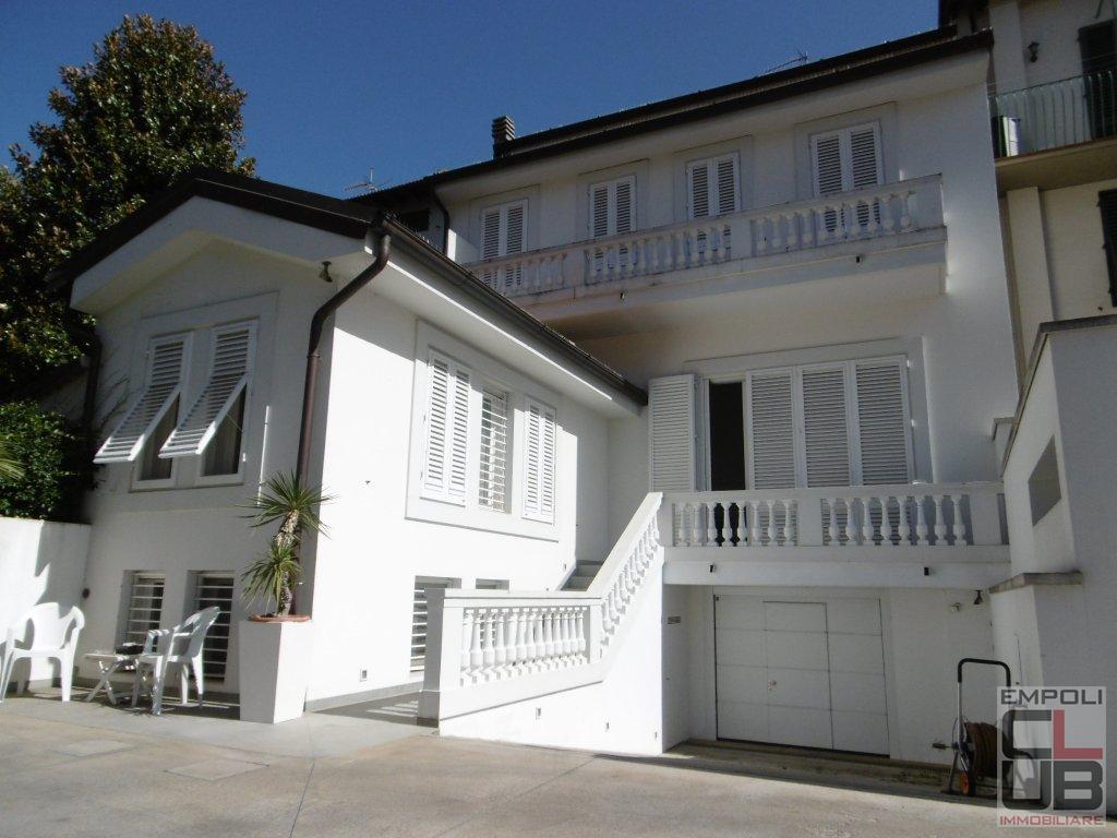 Villa in vendita a Empoli, 8 locali, prezzo € 1.600.000 | CambioCasa.it
