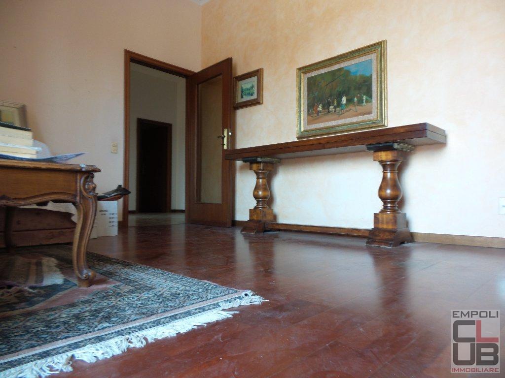 Appartamento in vendita a Vinci, 4 locali, prezzo € 160.000 | CambioCasa.it