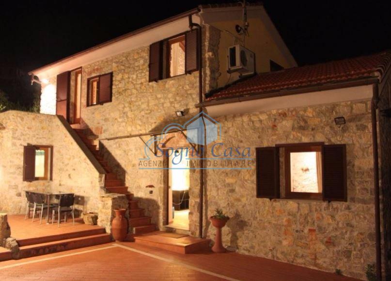Villa in vendita a Portovenere, 5 locali, prezzo € 598.000 | PortaleAgenzieImmobiliari.it
