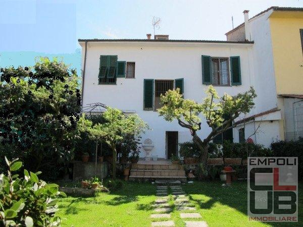 Soluzione Indipendente in vendita a Empoli, 8 locali, prezzo € 390.000 | CambioCasa.it