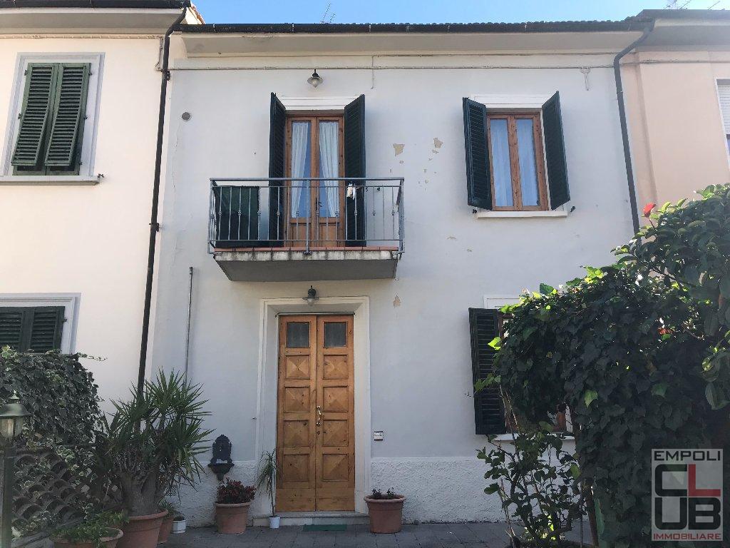Soluzione Indipendente in vendita a Empoli, 6 locali, prezzo € 255.000 | CambioCasa.it