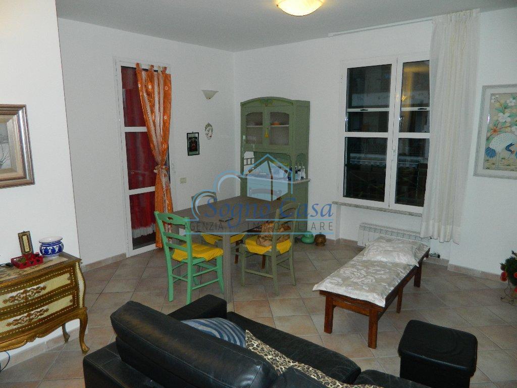 Appartamento in vendita a Fosdinovo, 3 locali, prezzo € 165.000   CambioCasa.it