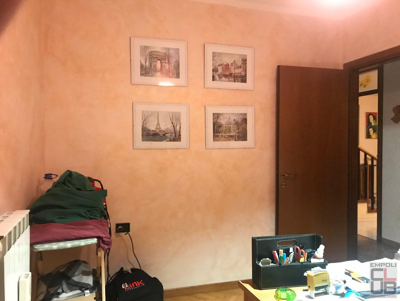 Foto 9/37 per rif. M/0121