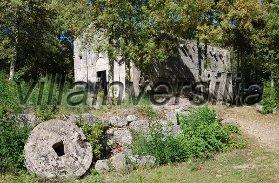 Foto 2/4 per rif. V 142018 borgo mediovale Siena