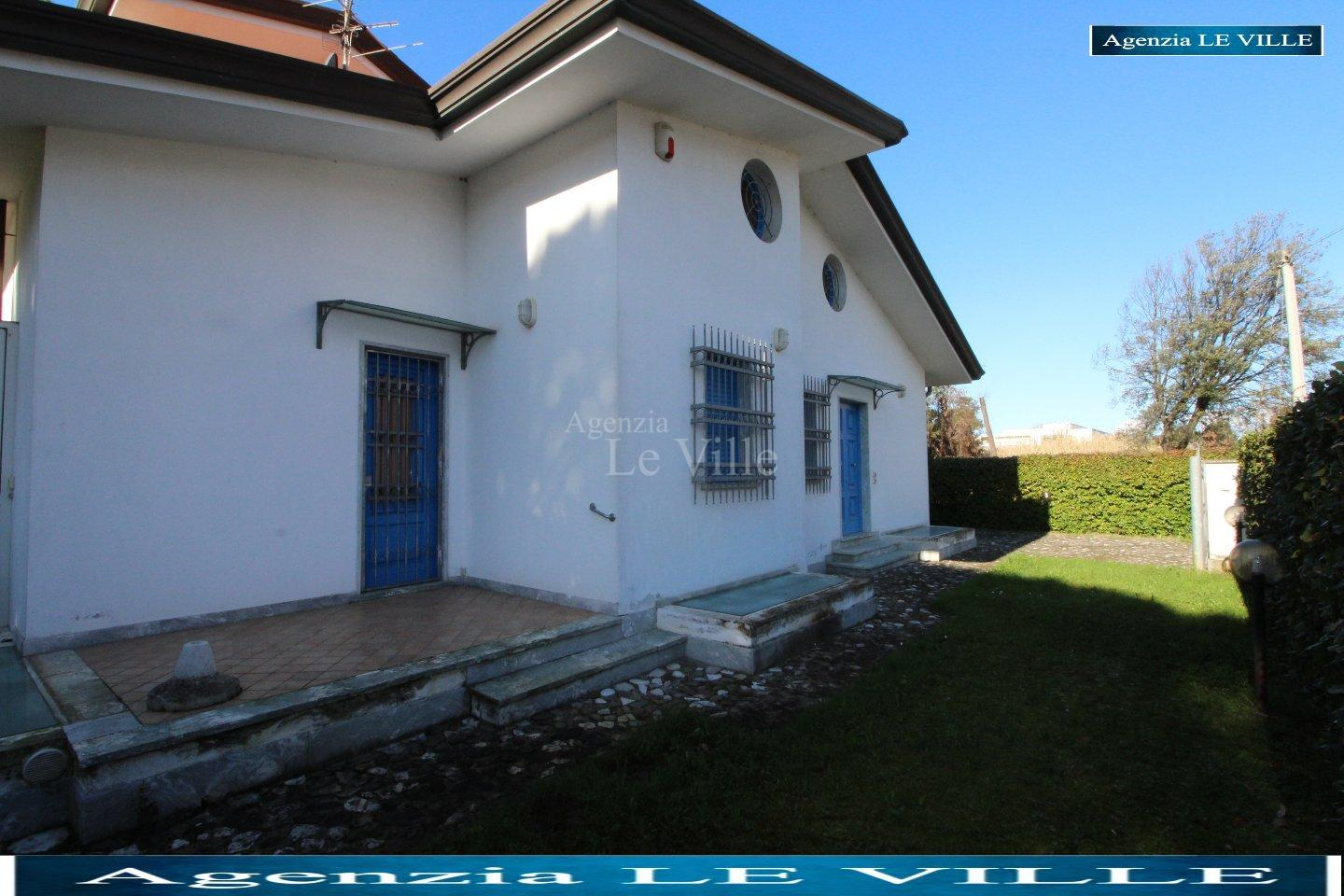 Semi-detached house for holiday rentals in Camaiore (LU)