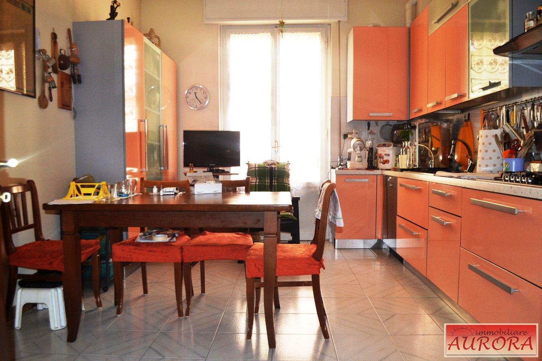 Appartamento in vendita a Poggibonsi, 5 locali, prezzo € 215.000 | PortaleAgenzieImmobiliari.it