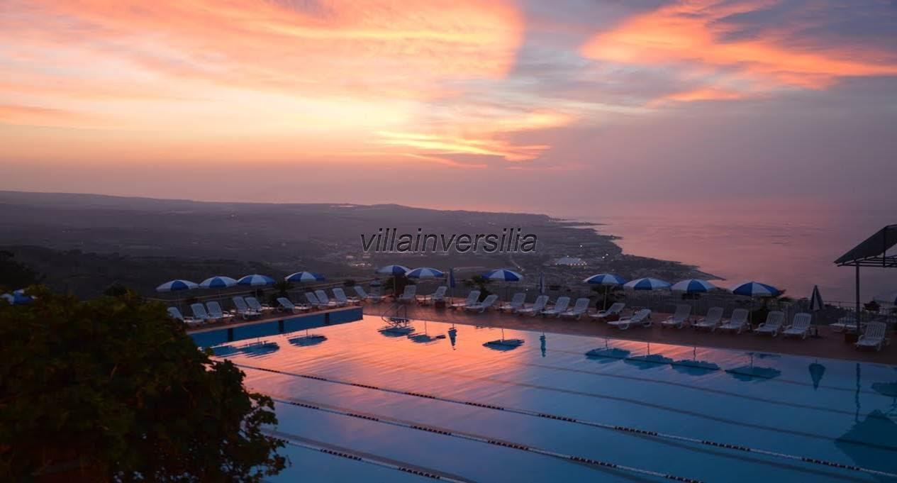 Foto 8/34 per rif. V 492018 Hotel Calabria