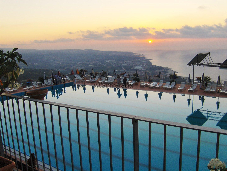 Foto 4/15 per rif. V 492018 Hotel Calabria