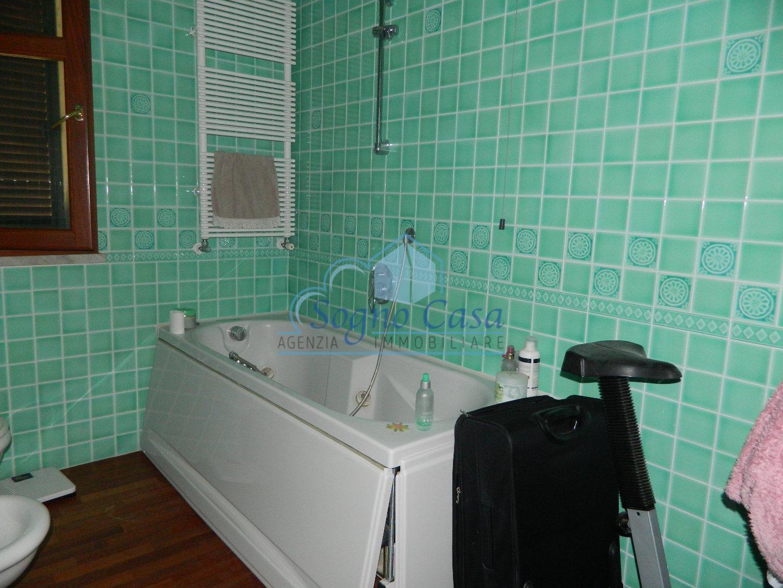 Casa semindipendente in vendita, rif. 106402