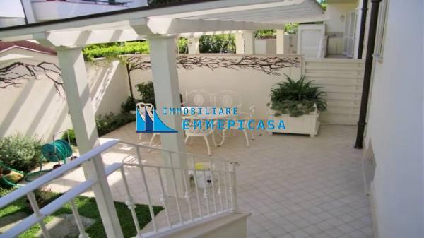 Villetta bifamiliare in affitto vacanze a Montignoso (MS)