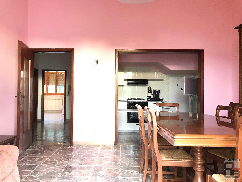 Appartamento in vendita a Vinci, 4 locali, prezzo € 160.000   CambioCasa.it