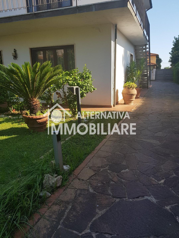 Villetta bifamiliare in vendita a Arena Metato, San Giuliano Terme (PI)